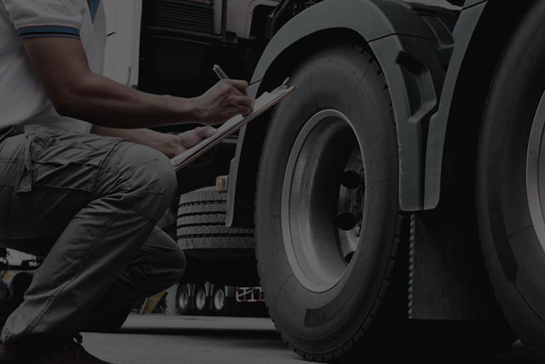 opona wsamochodzie ciężarowym